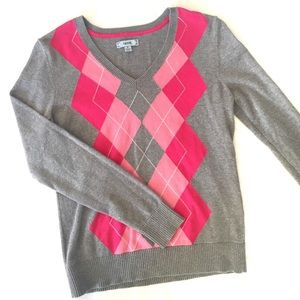 Izod grey and pink argyle sweater